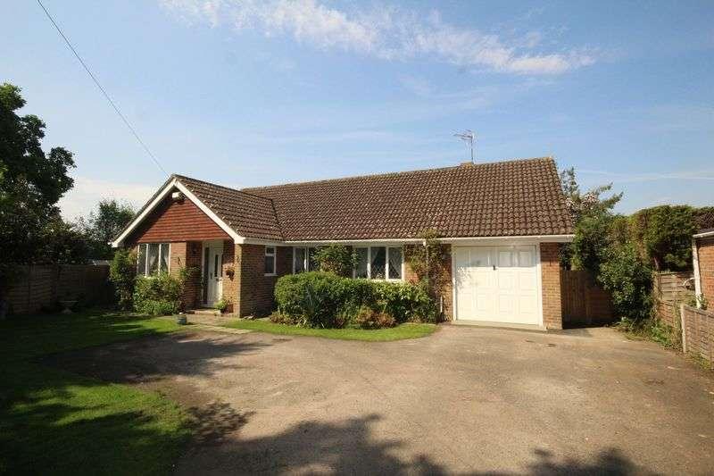 4 Bedrooms Detached Bungalow for sale in Hollow Trees Drive, Tonbridge