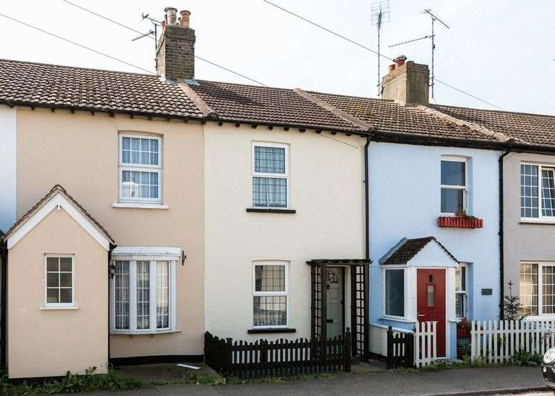 2 Bedrooms Terraced House for sale in New Road, Great Wakering