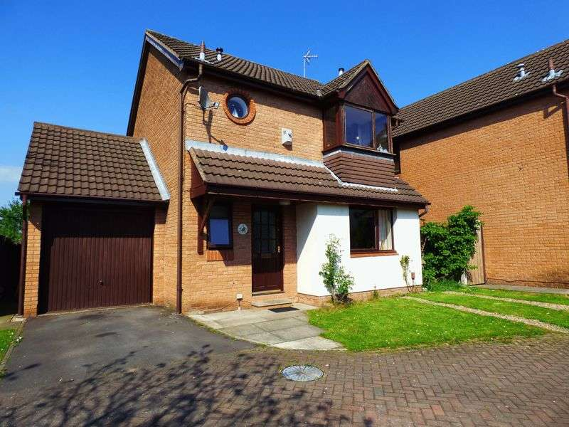 3 Bedrooms Detached House for sale in Briarwood Close, Leyland