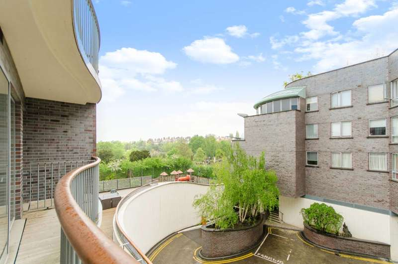 1 Bedroom Flat for sale in Alfred Court, West Hampstead, NW6