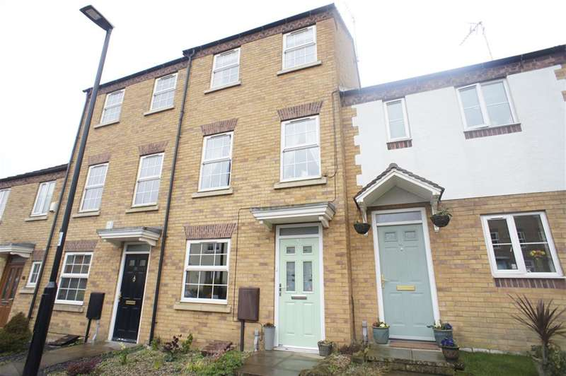 3 Bedrooms Semi Detached House for sale in Gleadless View, Gleadless Common, Sheffield S12 2UL