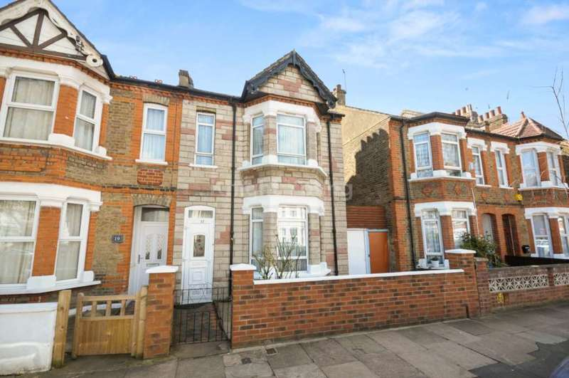 3 Bedrooms Semi Detached House for sale in Seward Road, Hanwell