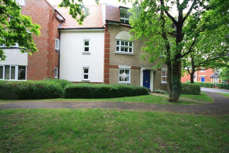 2 Bedrooms Apartment Flat for sale in Handleys Court, Handleys Chase, Noak Bridge