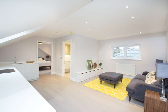 1 Bedroom Flat for sale in Bollo Bridge Road, Acton