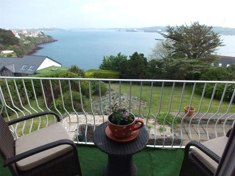 3 Bedrooms Detached House for sale in Gorsewood Drive, Hakin, Milford Haven