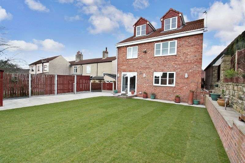 4 Bedrooms Detached House for sale in Nunns Lane, Featherstone
