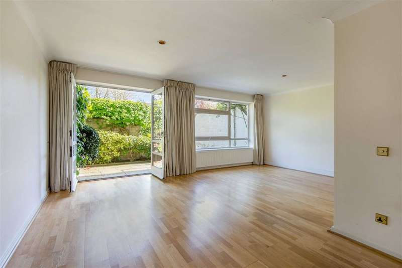 5 Bedrooms Property for sale in Queensmead, London, NW8