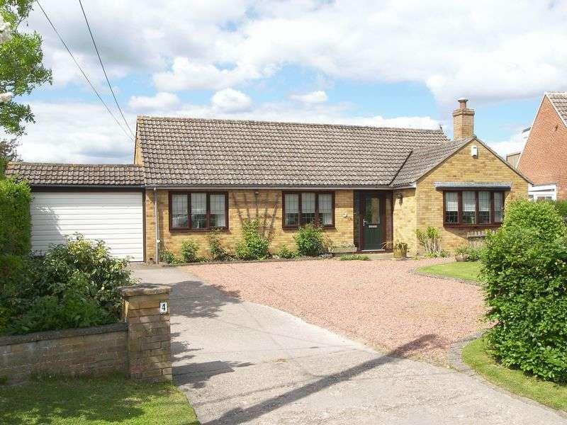 4 Bedrooms Detached Bungalow for sale in Vicarage Road, Steventon