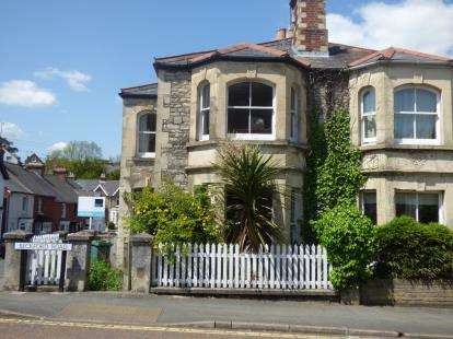 3 Bedrooms Semi Detached House for sale in Cowes, Isle Of Wight