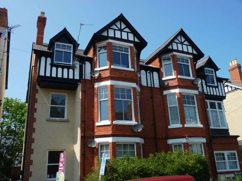 2 Bedrooms Flat for sale in Lawson Road, Colwyn Bay