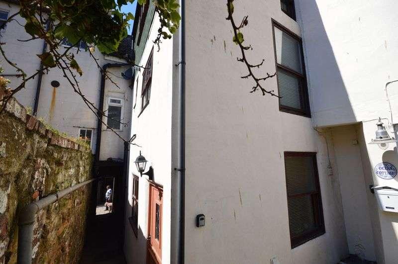 2 Bedrooms Cottage House for sale in Bensons Yard, Whitby