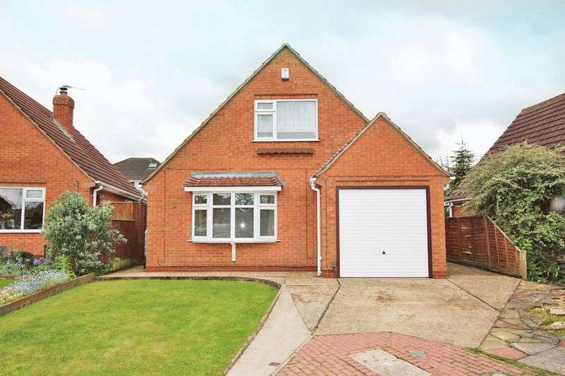 3 Bedrooms Detached House for sale in SWEETBRIAR CLOSE, WALTHAM
