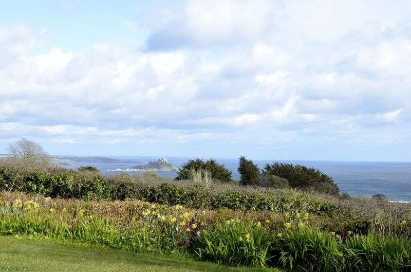 6 Bedrooms Detached Bungalow for sale in Gulval, Penzance