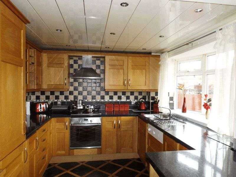 3 Bedrooms Terraced House for sale in Auction guide price 59,950 - Norwich Close, Ashington - Three Bedroom Terrace House
