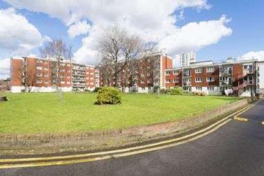 2 Bedrooms Flat for sale in Cannon Street Road, London