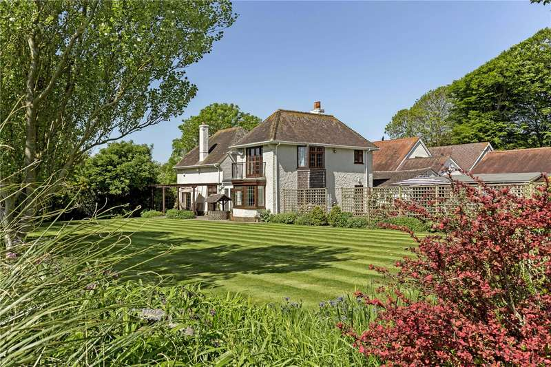 4 Bedrooms Detached House for sale in Climping Street, Climping, Littlehampton, West Sussex, BN17