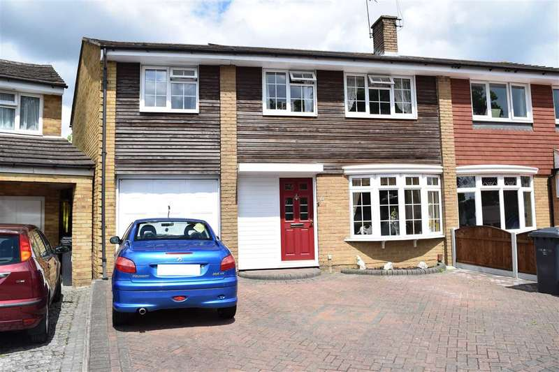 5 Bedrooms Semi Detached House for sale in Mallard Road, Chelmsford