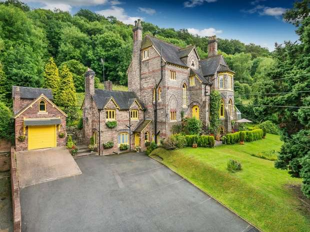 6 Bedrooms Detached House for sale in 17 Paradise, Coalbrookdale, Shropshire