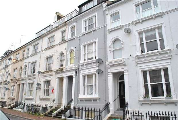 1 Bedroom Flat for sale in Dudley Road, TUNBRIDGE WELLS, Kent, TN1 1LF