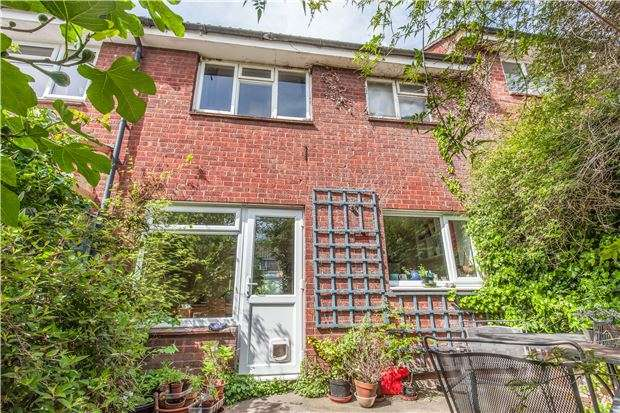 3 Bedrooms Terraced House for sale in Weedon Close, St Werburghs, Bristol, BS2 9XE