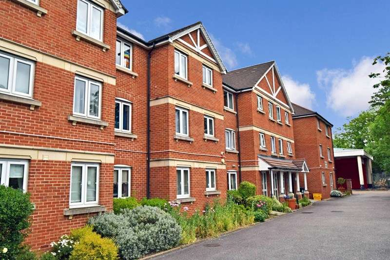 1 Bedroom Retirement Property for sale in Heron Court, Ilford, IG1 4EW
