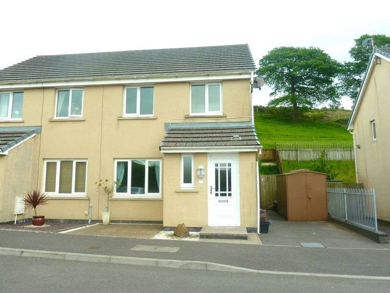3 Bedrooms Semi Detached House for sale in Heol Llwynffynon Llangeinor Bridgend CF32 8PR