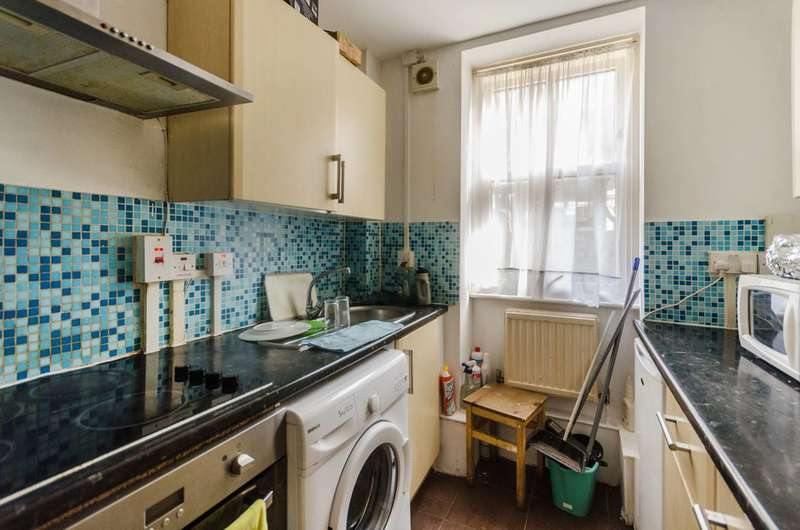 2 Bedrooms Flat for sale in Kingsley Flats, Elephant and Castle, SE1