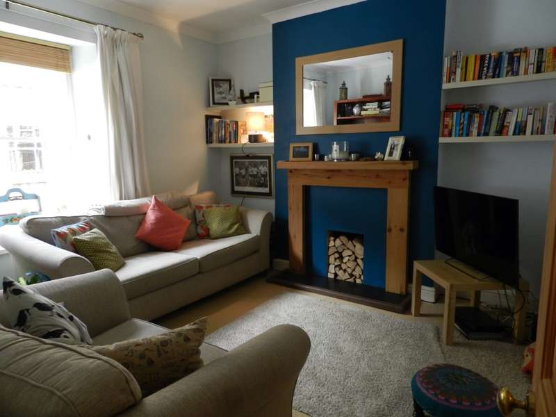 2 Bedrooms Terraced House for rent in Ambra Vale East, Bristol, Bristol, BS8