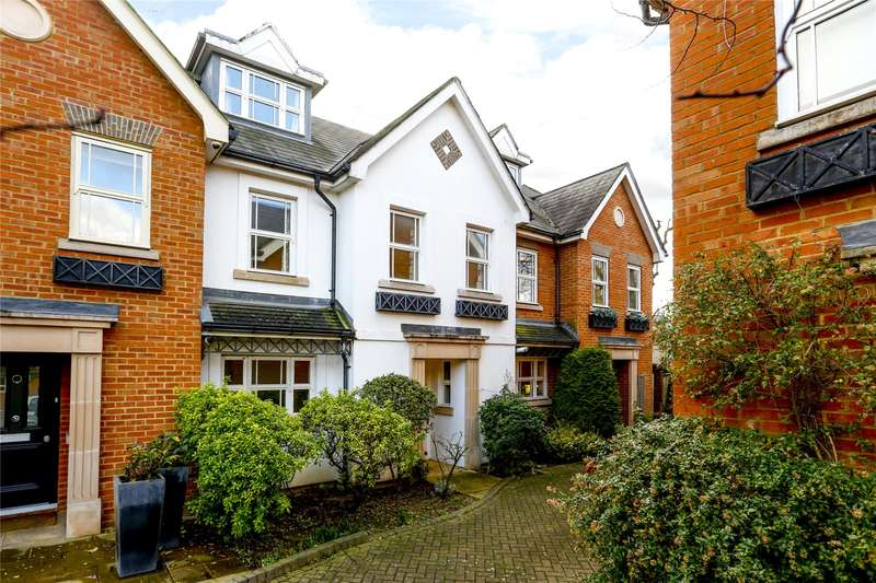 4 Bedrooms Terraced House for sale in Waters Place, London, SW15