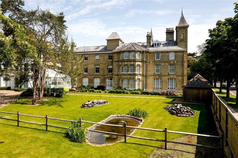 2 Bedrooms Flat for sale in Normansfield Court, 22 Langdon Park, Teddington, TW11