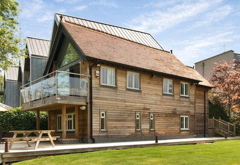 2 Bedrooms Detached House for sale in Jessamy Road, Weybridge, Surrey, KT13