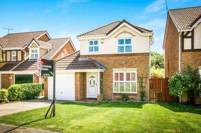 3 Bedrooms Detached House for sale in Arran Avenue, Ellesmere Port, Cheshire, ., CH65