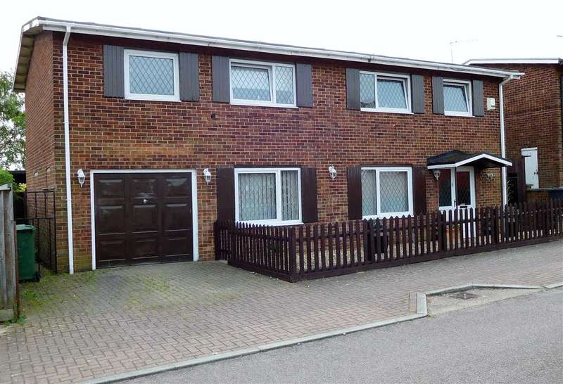 4 Bedrooms Detached House for sale in Exmouth Avenue, Corby