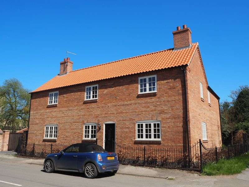 4 Bedrooms Detached House for sale in Corner Cottage, Cromwell