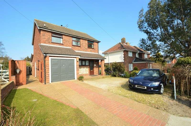 3 Bedrooms Detached House for sale in Fantastic Location