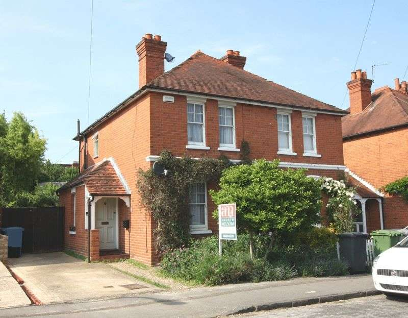 3 Bedrooms Semi Detached House for sale in All Saints area, Maidenhead
