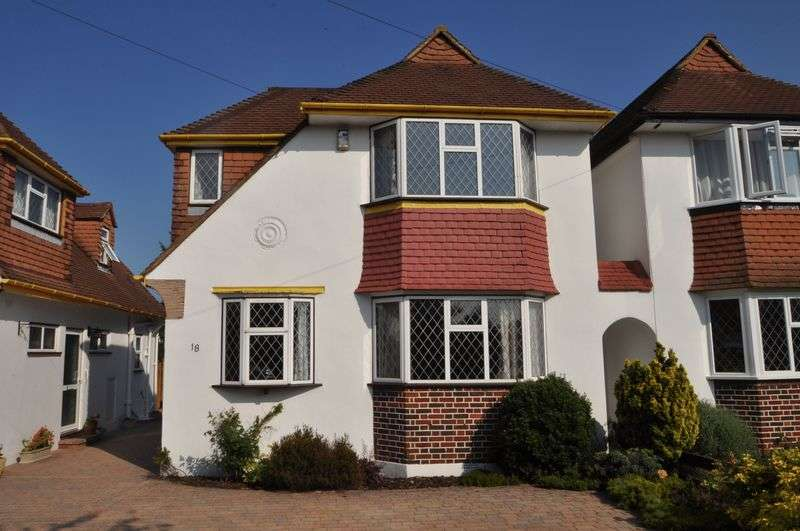 4 Bedrooms Detached House for sale in Chilmark Gardens, New Malden