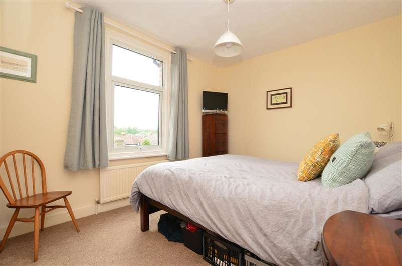 2 Bedrooms Terraced House for sale in St. Peters Street, South Croydon, Surrey