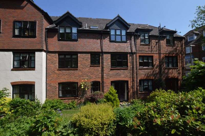 1 Bedroom Flat for sale in The Cooperage, Lenten Street, Alton, Hampshire