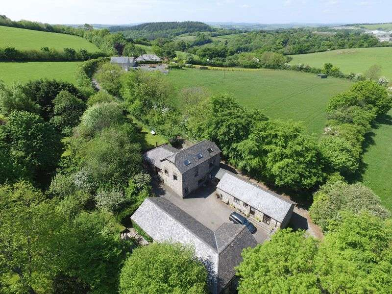 6 Bedrooms Detached House for sale in Bradstone, Tavistock