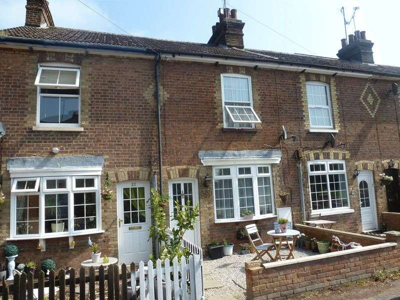 2 Bedrooms Terraced House for sale in The Lane, Chalton