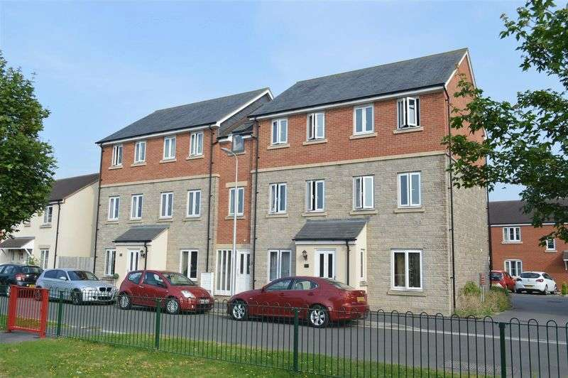 2 Bedrooms Flat for sale in Kent Avenue, West Wick
