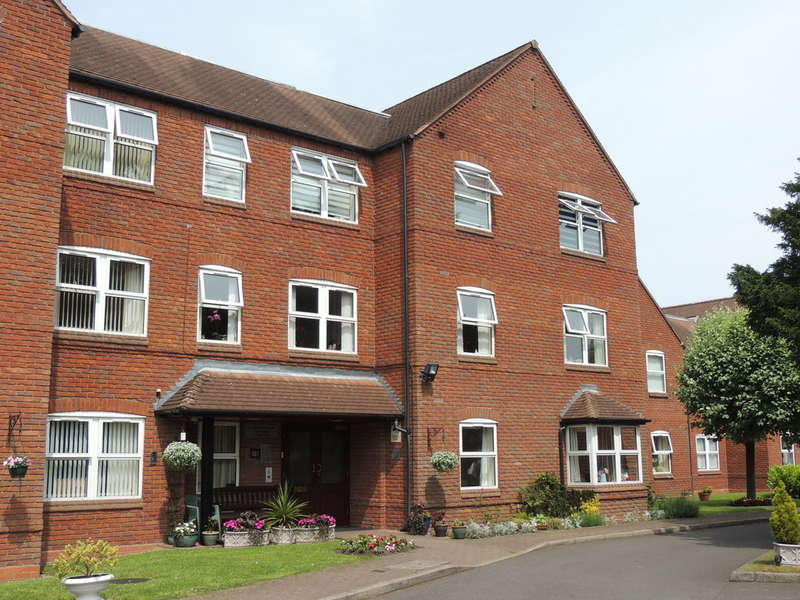 2 Bedrooms Ground Flat for sale in The Cedars, Downing Close, Knowle