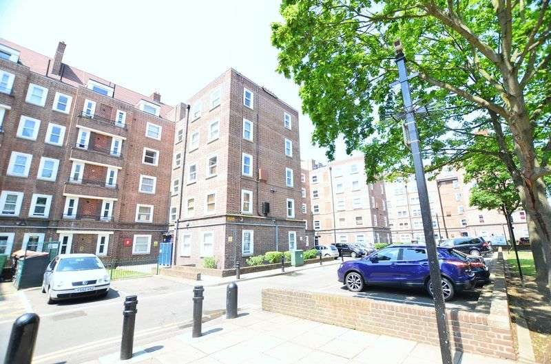 1 Bedroom Flat for sale in Homerton High Street, Homerton E9