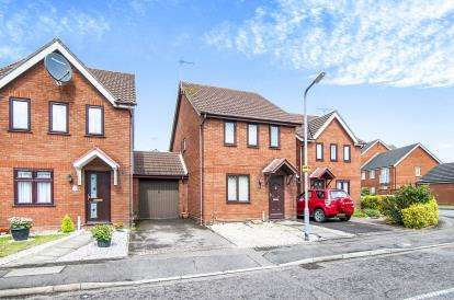 3 Bedrooms Link Detached House for sale in Grays, Essex
