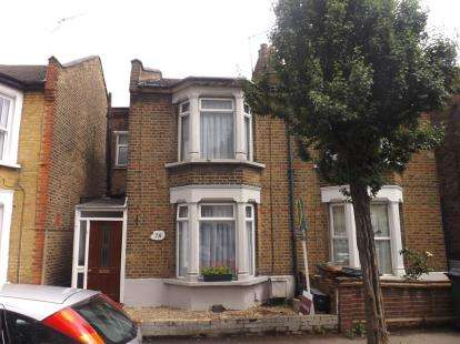 3 Bedrooms Semi Detached House for sale in Walthamstow, London, Uk