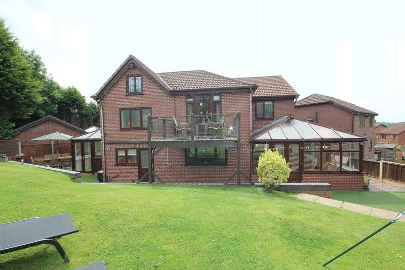 6 Bedrooms Property for sale in Hopcroft Close, Blackley M9 0RX