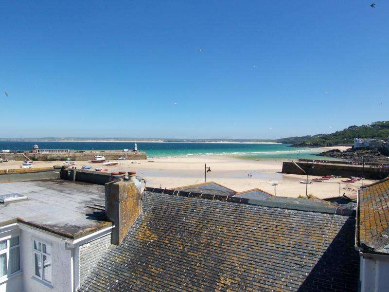2 Bedrooms Terraced House for sale in Court Cocking, St Ives, Cornwall