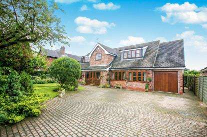 3 Bedrooms Detached House for sale in Mayfield Road, Mobberley, Knutsford, Cheshire