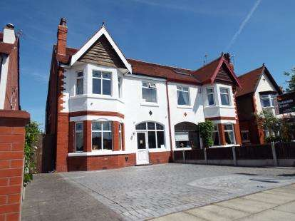 5 Bedrooms Semi Detached House for sale in Bibby Road, Southport, Merseyside, PR9
